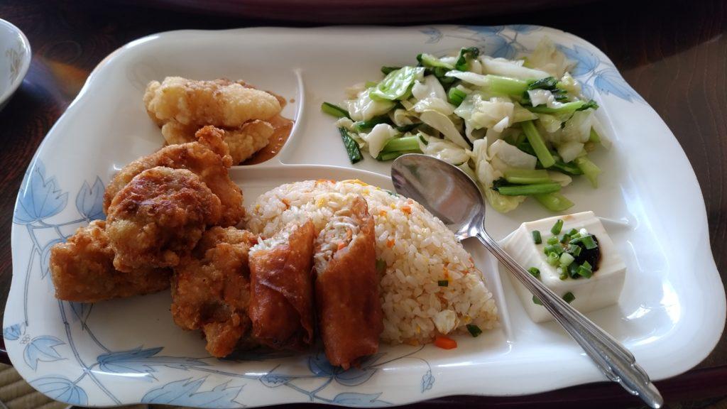 沖縄風の自然派中華料理店『萬龍飯店(まんりゅうはんてん)』(うるま市)