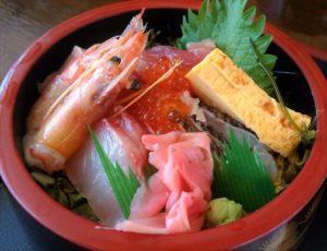 海の島 沖縄で食べる新鮮な海鮮 海産物食堂 味華(あじけー)